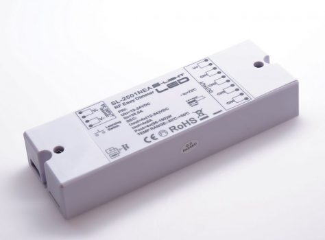 SL-2501NEA 4x8A RF dimmer vevő 12/24V DC