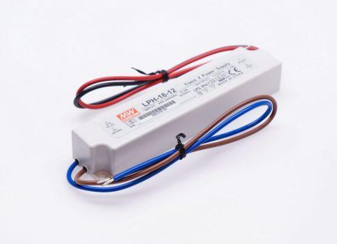 Mean Well LPH-18 18W-os IP67-es LED tápegység 12-24V DC